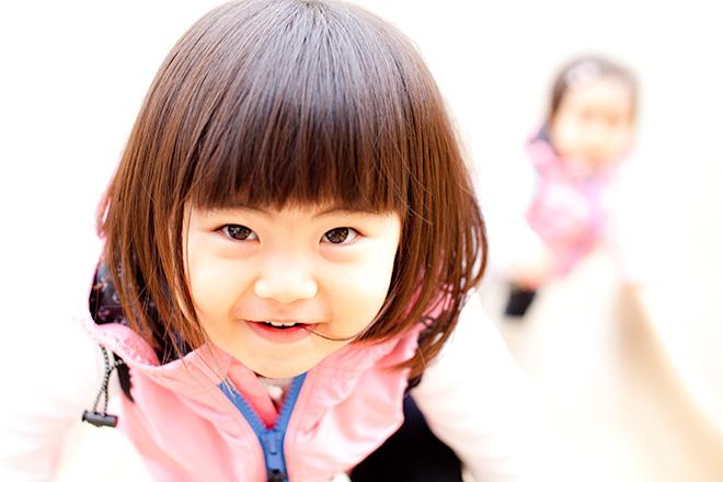 公園にてにっこり笑顔のお姉ちゃん