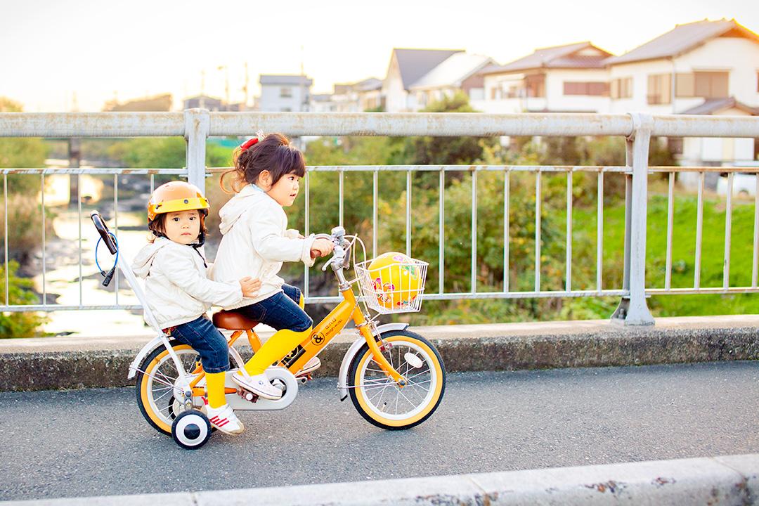仲良く姉妹でサイクリング