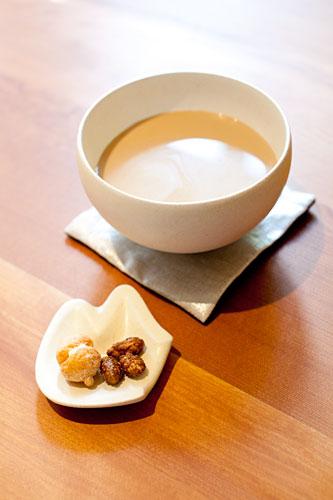 陶のギャラリーとカフェ
