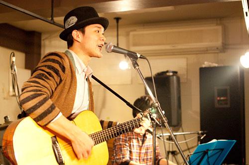 Takuya Hashimoto in mona records