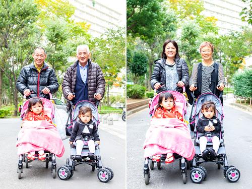おじいさま、おばあさまとベビーカーに乗った姉妹