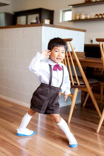 ダンスする男の子